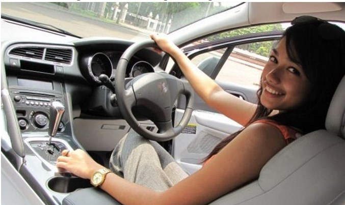 Cara mengendarai mobil manual yang baik