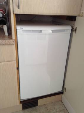 beko fridge freezer instructions