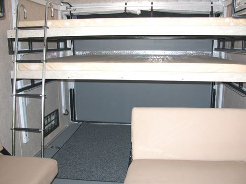 Toy hauler manual bed lift