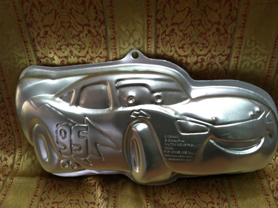 lightning mcqueen wilton cake pan instructions