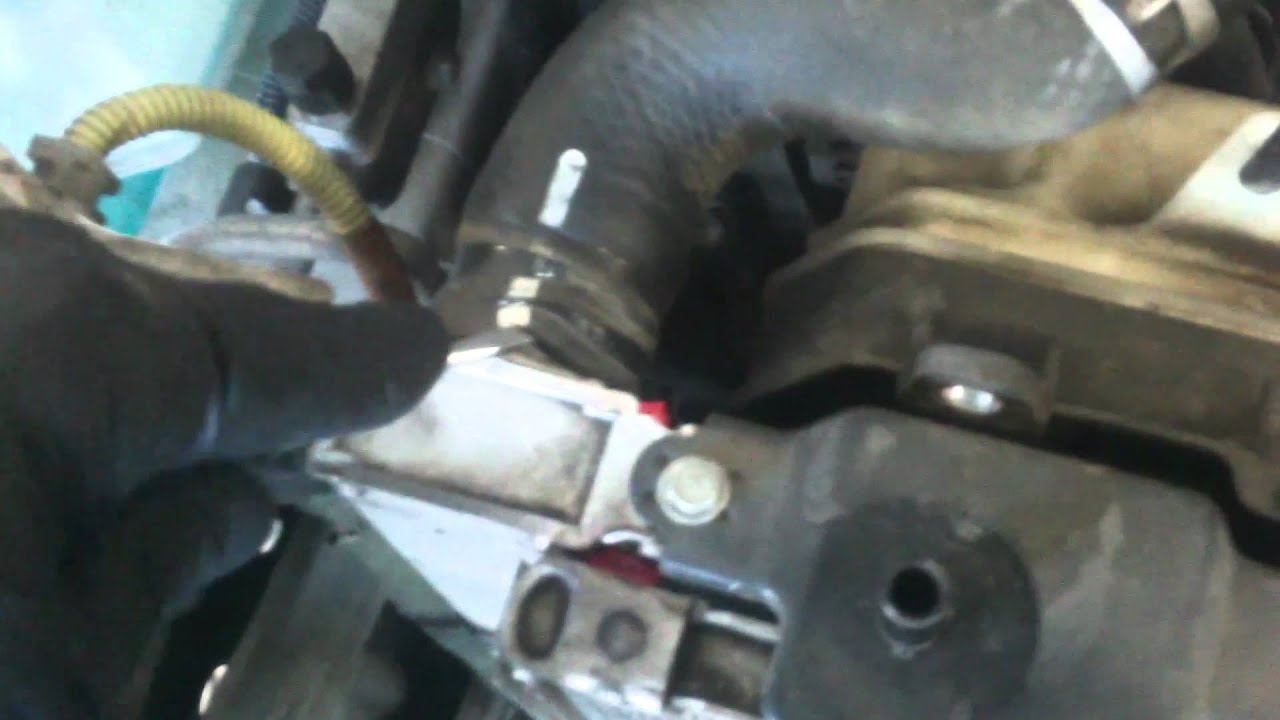 how to turn toyota sienna 2005 engine manually